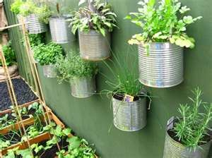 vegetable-garden-ideas-2.JPG: Gardens Ideas, Recycled Cans, Vegetables Gardens, Herbs Gardens, Planters, Small Gardens, Tins Cans, Coff Cans, Wall Gardens