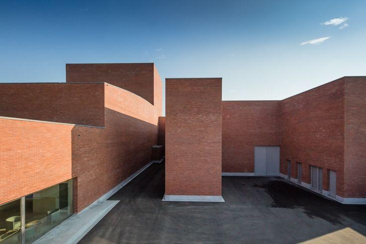 Gallery of Gallery: Public Auditorium in Llinars del Vallès by Alvaro Siza + Aresta Arquitectura - 24