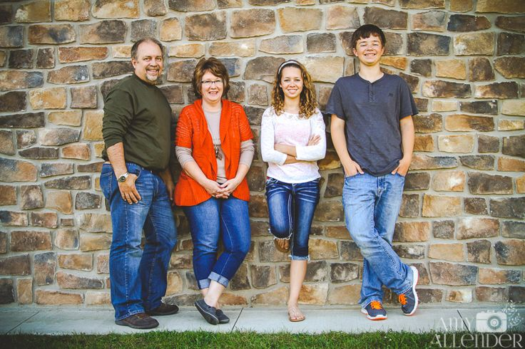 Fall family photos featuring teenage siblings. Get pose inspiration and tips on what clothing works best for your next family photos.