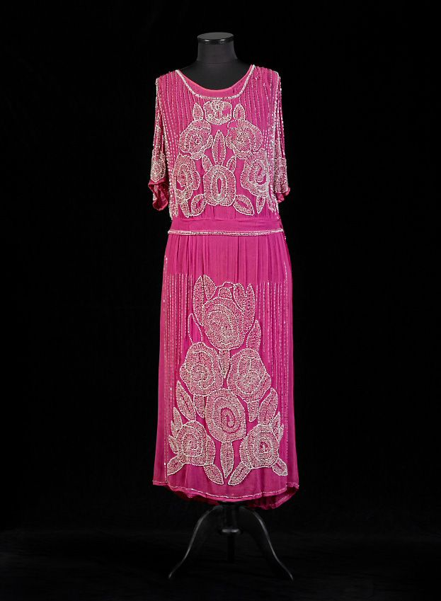 Magenta fucshia chiffon evening gown with glass bead and bead embroidery in the Art Deco style. USA, ca. 1922
