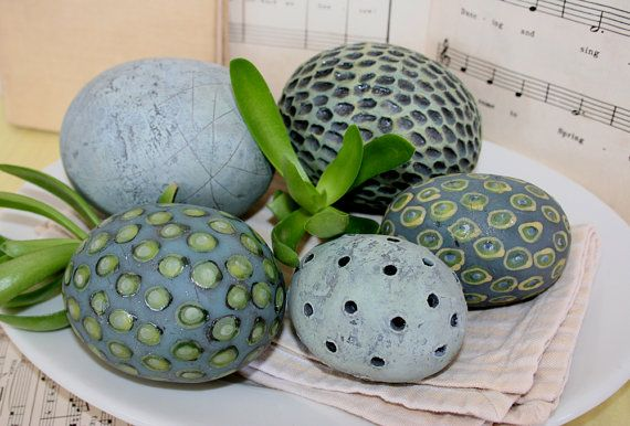 House of Ceramics - Hand built and hand painted ceramic decorations. Lots of dots