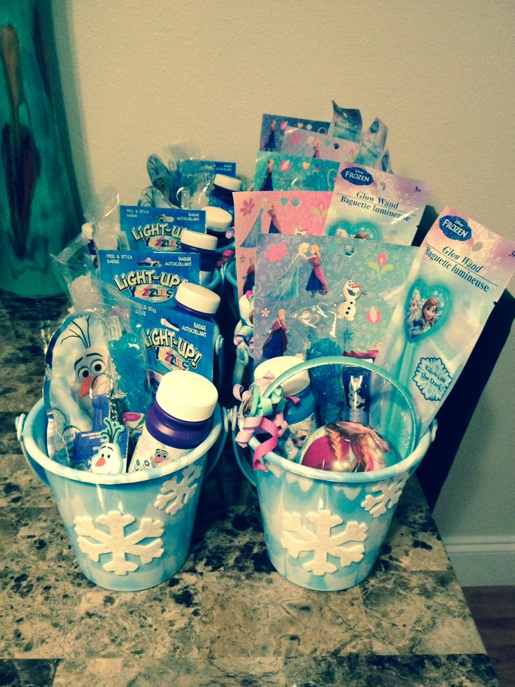 Homemade boys and girls Frozen party favors Disney