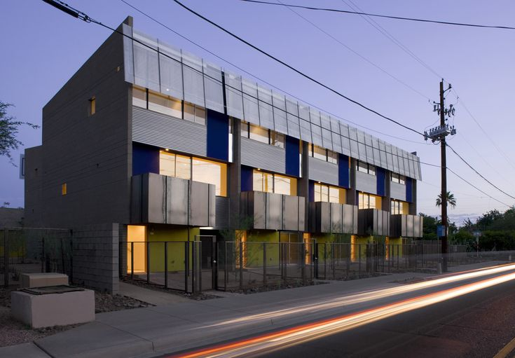 Built by will bruder+PARTNERS in , United States with date 2008. Images by Bill Timmerman. Approached from its north façade along Whitton Avenue, owners, neighbors and visitors are welcomed to Mezzo through a...