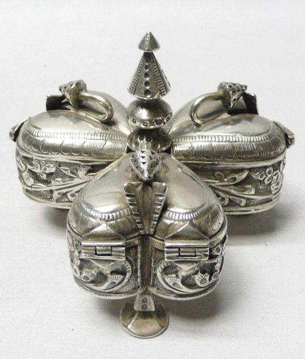 "Antique Silver Betel Box - waxantiques. ""Repinned by Keva xo""."