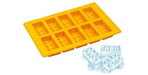 Lego Ice Tray -- this would be great for Emerin @Jacqui Wallis, @Tabitha Vickery