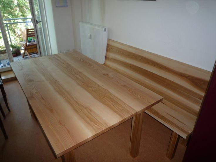 Tisch mit Sitzbank