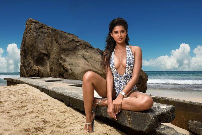 Sushrii Shreya Mishra | Kingfisher Calendar 2016 #Piclectica