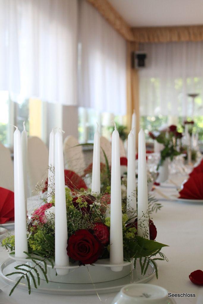 Blumenschmuck der goldenen Hochzeit im Seeschloss am Bötzsee .