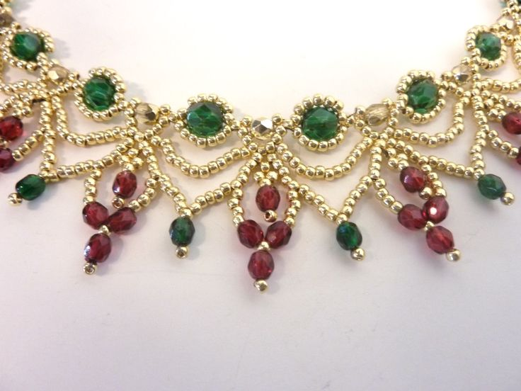 FREE beading pattern for elegant Christmas necklace, DIY Jewelry