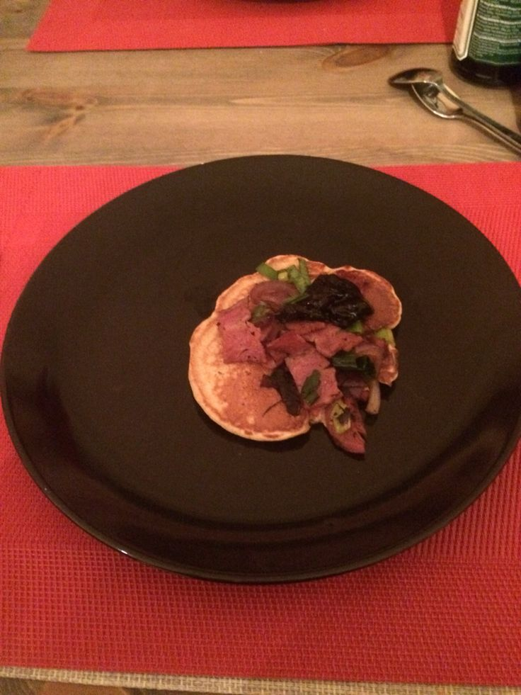 Pannekaker med blåbær og bacon