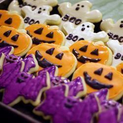 Halloween Kekse, Halloweenkekse, Halloween Rezepte Kinder, Halloween Party Essen, Halloween Plätzchen   Das Rezept gibts auf Allrecipes Deutschland http://de.allrecipes.com/rezept/2858/halloween-pl-tzchen.aspx