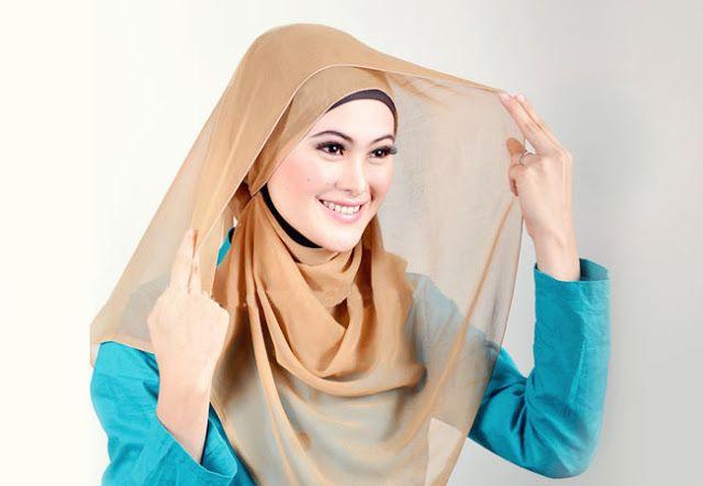 Tutorial Hijab By Mayra Hijab: Tutorial Jilbab Segi Empat Simple untuk Sehari-Har...
