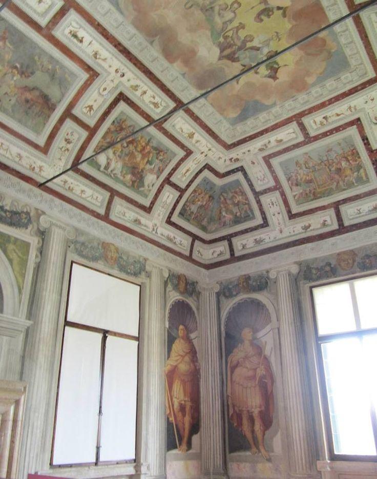 Particolare degli affreschi della Sala degli Imperatori.