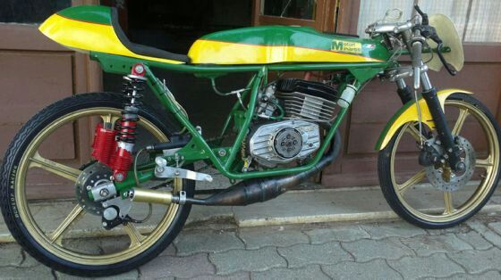10 best images about 50cc gp racing bikes on pinterest beautiful clutches and nice. Black Bedroom Furniture Sets. Home Design Ideas