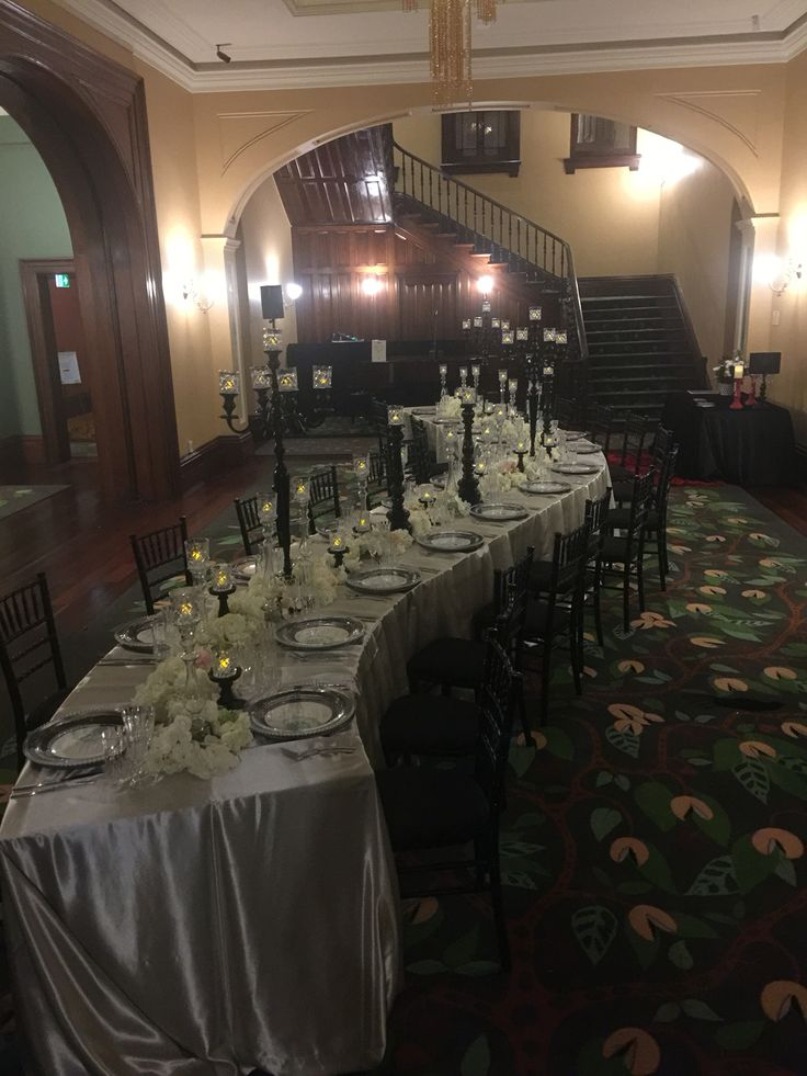 Amazing curved table @styledeventsqld  #reception #oldgovernmenthouse