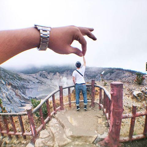Hold My Hand!!!