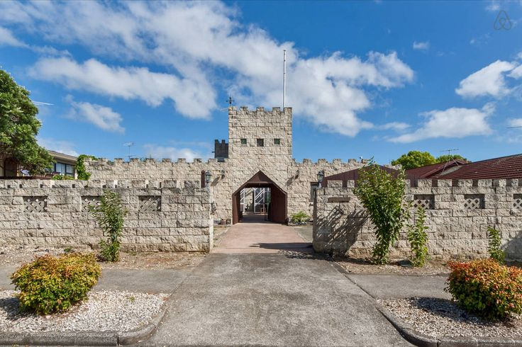 Auckland Castle airbnb
