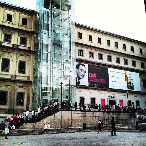 Museo Nacional Centro de Arte Reina Sofía (MNCARS) en Los Madriles, Madrid