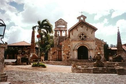 Dominican Republic History, Christopher Columbus and the Tainos massacre.