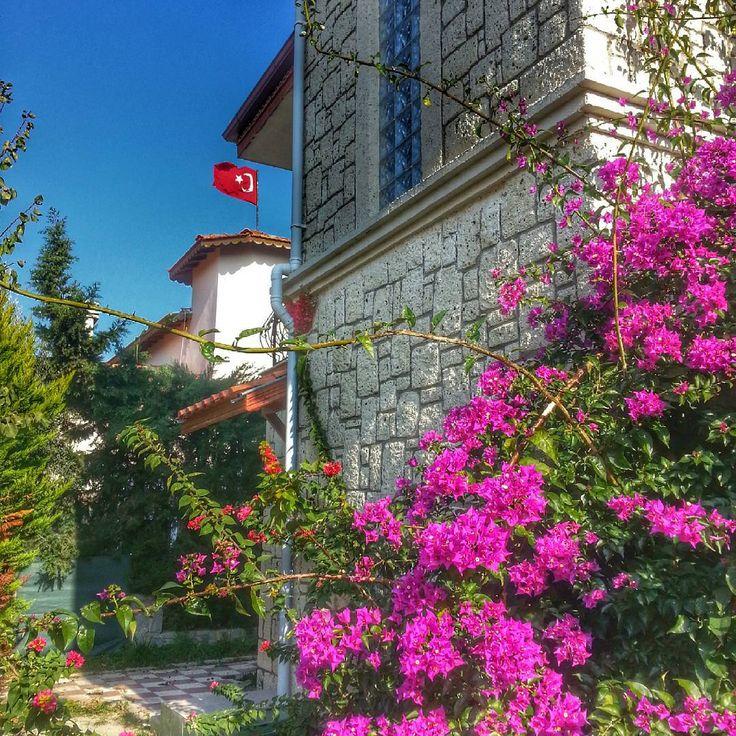 """""""Kim bu cennet vatanın uğruna olmaz ki feda #turkey #izmir #çeşme #alaçatı #bayrağım"""""""