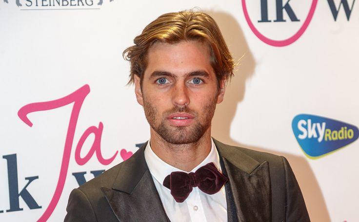 Heeft Manuel Broekman een nieuwe vriendin? Bekijk de video en oordeel zelf >>