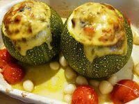 Veggie Variation - Vegetarische recepten en inspiratie vol variatie!: Gevulde bolcourgette uit de oven