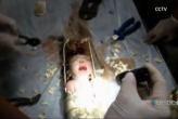 Rescatan a bebé recién nacido atrapado en tubería en China