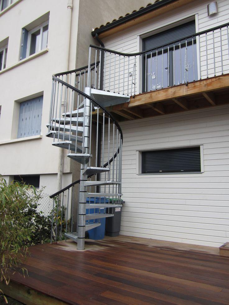 Construction AMI BOIS inspirée du modèle à 2 niveaux CITY dans un environnement urbain.  Contactez-nous ici: http://www.ami-bois.fr/?q=node/47