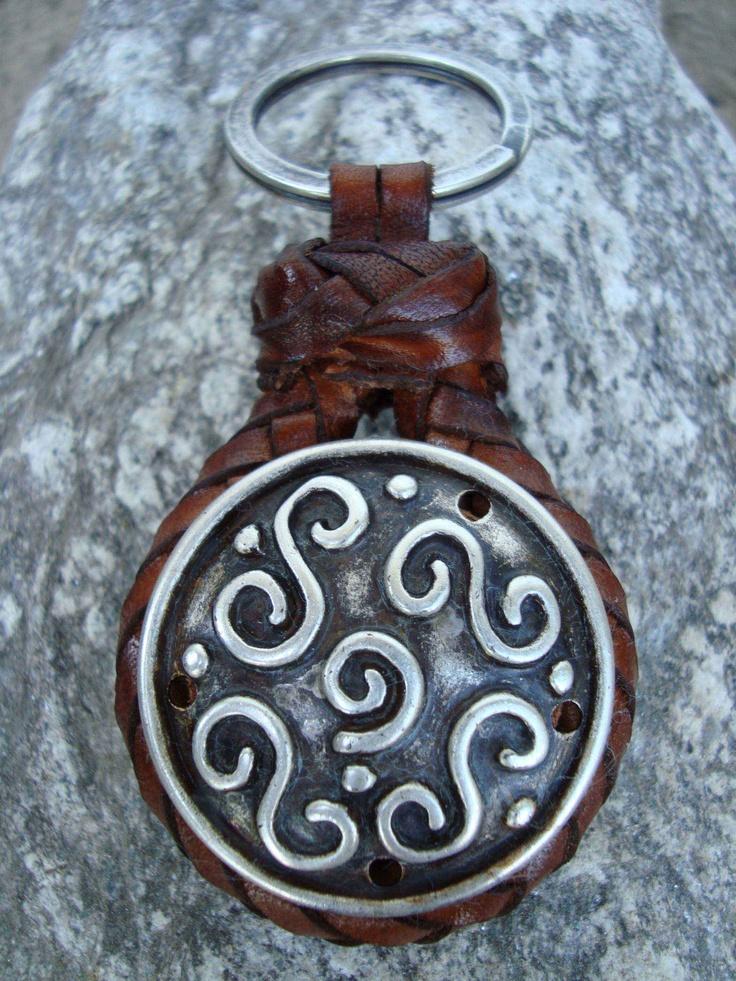 $34.90 Key Ring leather and metal Roxu