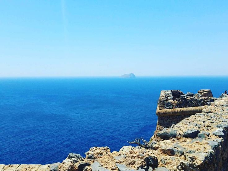 Good morning! Today is the official beginning of summer!  Virgilliant wishes you to have a beautiful and creative day, a nice summer full of inspiration and a mood as sunny as Crete is in this photo! By Virgilliant Greek Extra Virgin Olive Oil!