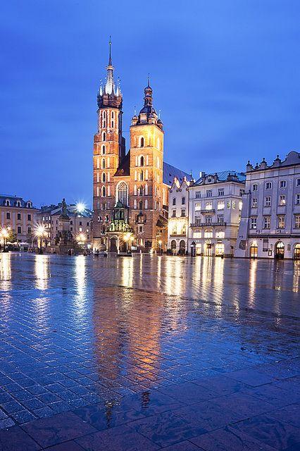 Kościół Mariacki at Twilight (Kraków), Poland by Sonja Blanco, via Flickr #Photography #Beautiful #Places