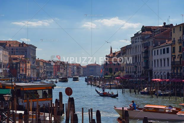 Summer in Venice #holidays #architecture #stockphoto #stockpicture https://www.vpuzzler.com/en/photo/architecture-of-the-old-venice-P52446/
