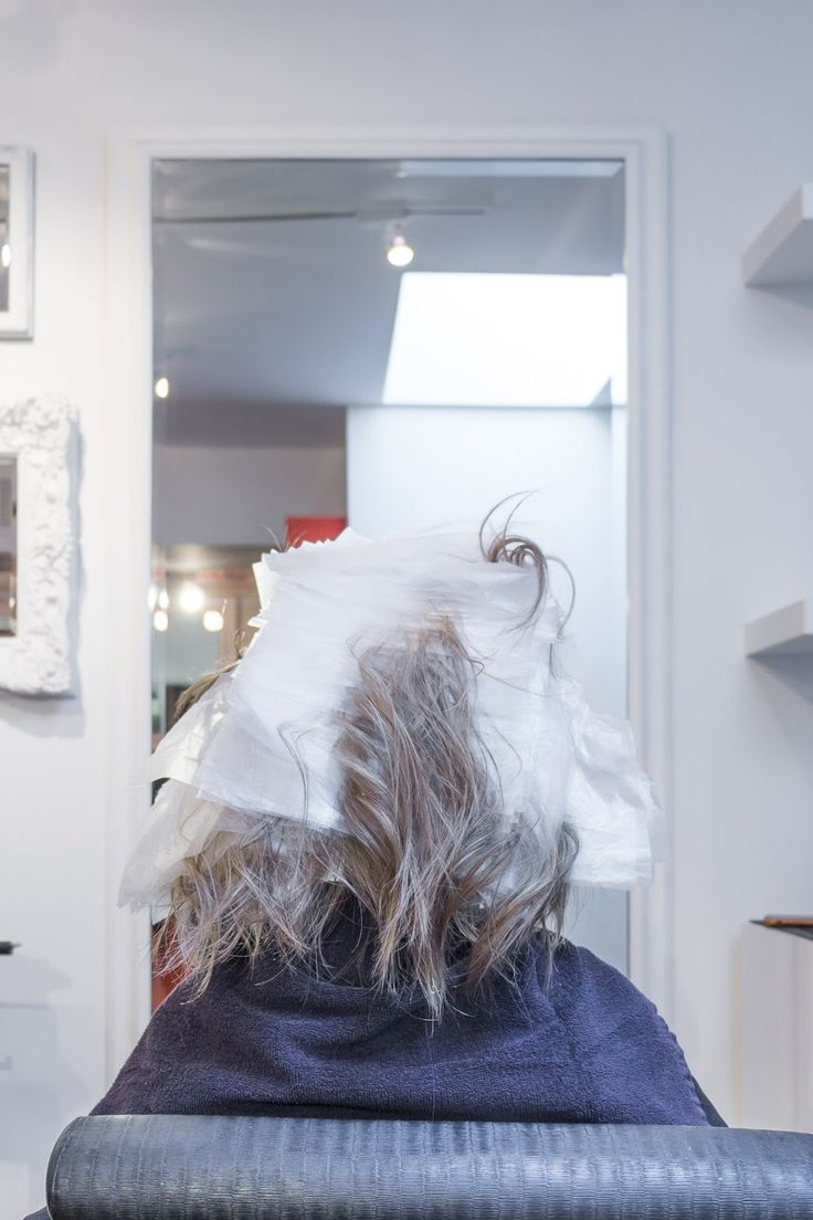 Between pregnancy and giving birth and raising a newborn, I've had little time or energy to deal with this mane. Which really is a shame because pregnancy does quite a number on your hair. I'd heard rumors about what happens when those dreaded hormones descend, but it wasn't until about 2 m