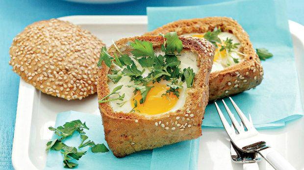 Zapečený chlebánek s vejcem