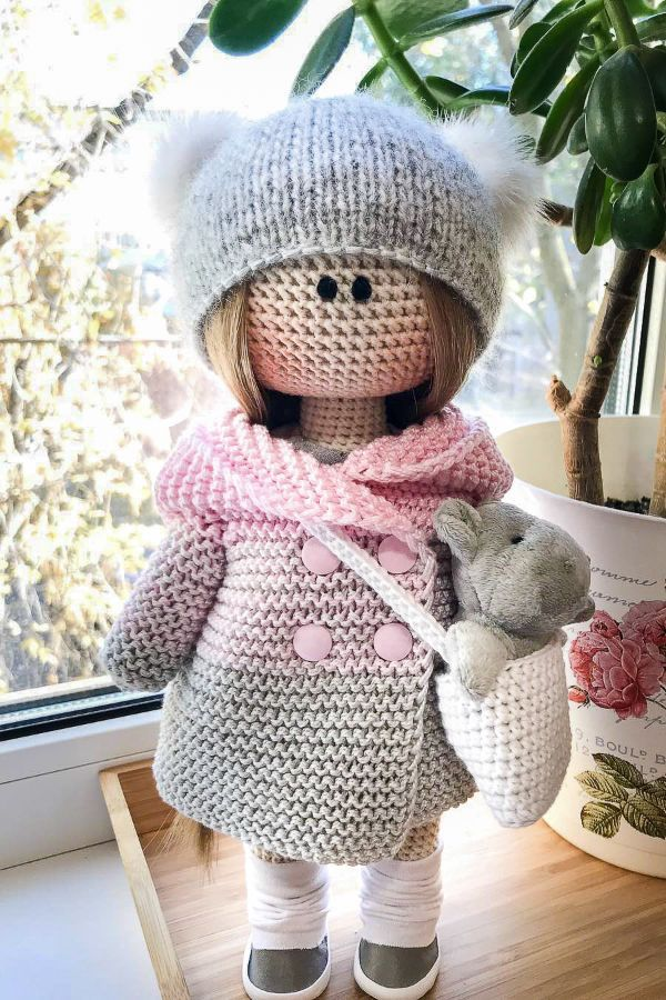Doll Clothes - Free Crochet Pattern · The Magic Loop | 900x600
