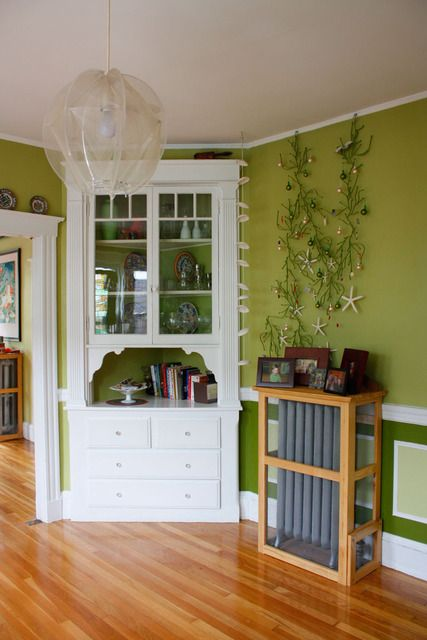 I like the open shelving idea, as well as the arch detail around that opening.