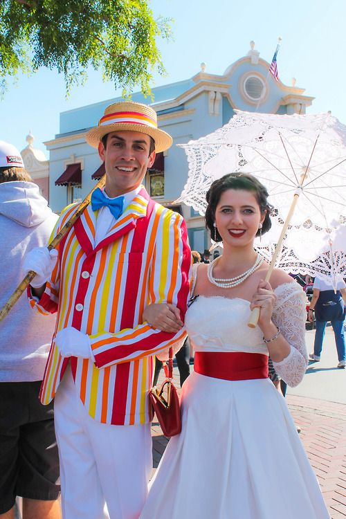 Mary Poppins And Bert Disneyland