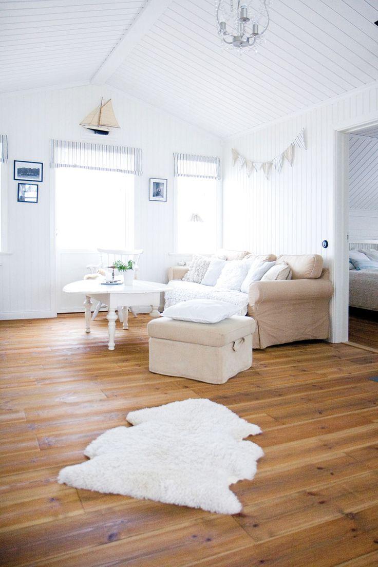 Nybyggt med vita knutar | Vårt Nya Hus