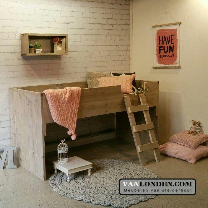 Half hoogslaper bed van steigerhout voor meisjes ... www.vanlonden.com