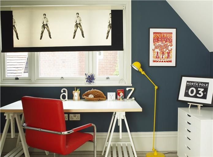 Top 20 Most Inspiring Rooms Hague Blue in a small room brings real character to a space.  Farrow and Ball