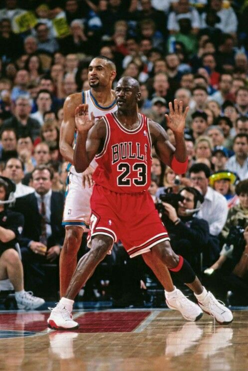 The GOAT (UNC) looks for the ball to score on Grant Hill (Duke) in the post in Detroit.