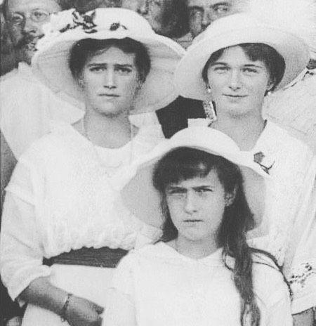 Grand Duchesses Olga Maria and Anastasia Nikolaevna of Russia in 1915. by historyofromanovs