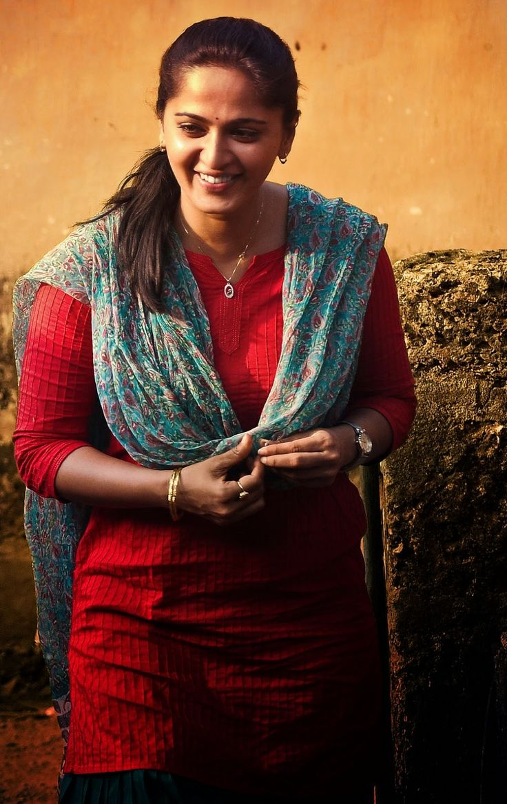Glamours Kollywood Chubby Actress Anushka Unseen Photo Collection
