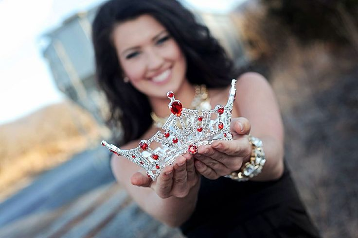 My exact crown. Red jewels and all. So surprised I saw this on here!!