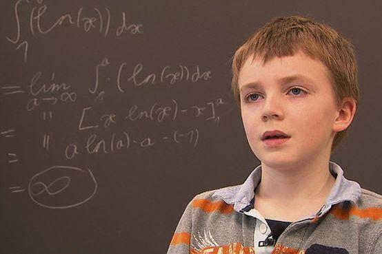 Criança de 10 anos concluiu provas de um bacharelato em matemática com a nota máxima