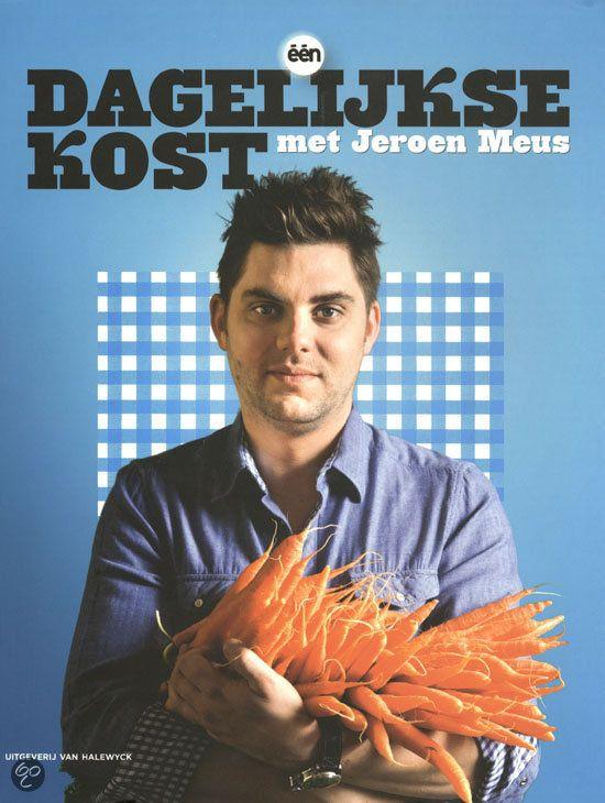 """DAGELIJKSE KOST MET JEROEN MEUS - Jeroen Meus - 9789461310422. Koken is een plezier. Met respect voor de seizoenen en zonder zotte kosten kan iedereen """" van beginneling tot amateurkok """" elke dag een smakelijk gerecht op tafel zetten. Jeroens Dagelijkse kost inspireert elke dag honderdduizenden Vlaamse televisiekijkers om lekker te eten, zonder poespas. De chef heeft voor elk wat wils: GRATIS VERZENDING - BESTELLEN BIJ TOPBOOKS VIA BOL COM OF VERDER LEZEN? KLIK OP BOVENSTAANDE FOTO!"""