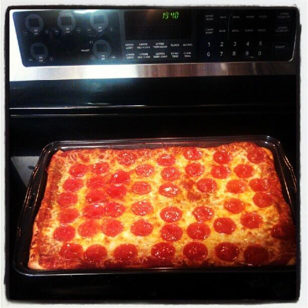 Pillsbury Artisan Pizza crust | Giveaways | Pinterest