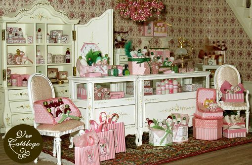 WOW.... such a beautiful gift store!!! This is how I imagine my FanciFlea looking ~ on the gift shop side :o)