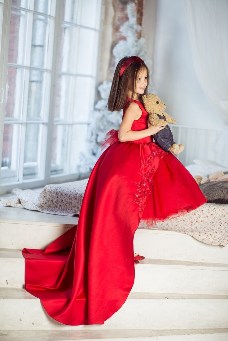 Elsa factory, couture for kids, red dress, Christmas dress, couture for baby, couture dress, princess dress, princess.