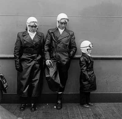 Tolhuispont Amsterdam 1952 (fotograaf Dolf Kruger) Fotografen in Nederland 1852-2002
